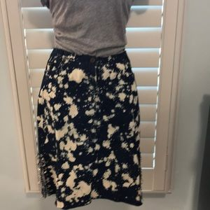 Distressed demon Betsey straight skirt in size M
